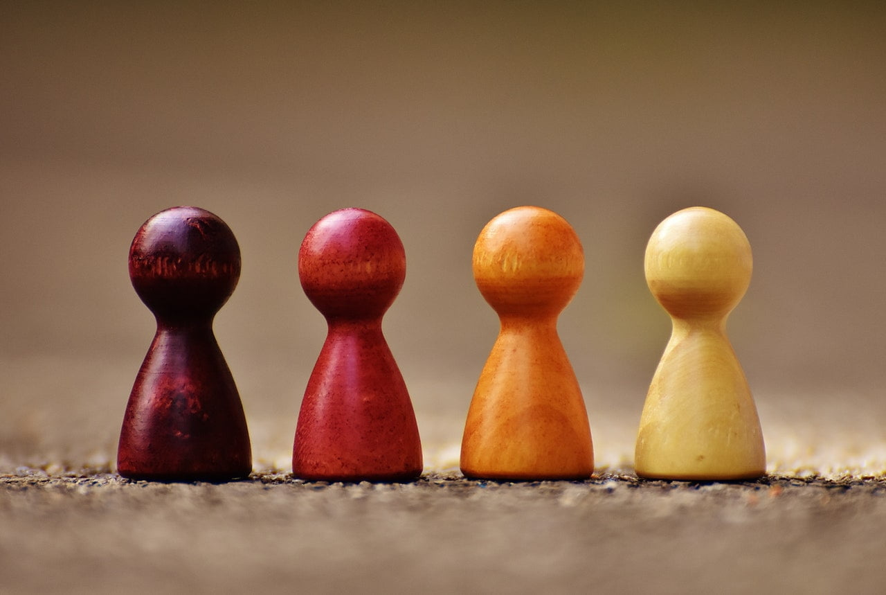 Cztery pionki z szachów